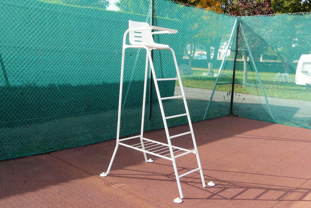 chaise arbitre tennis avec repose sac rv sports equipements sportifs poteaux chaise et. Black Bedroom Furniture Sets. Home Design Ideas